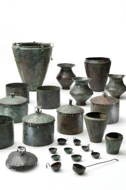 Bronze vessels from the Early Iron Age princely tumuli in Kleinklein near Großklein. Photo: Universalmuseum Joanneum, N. Lackner
