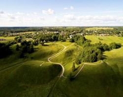 AMZ – Izložba fotografija (Ne)Vidljive litvanske utvrde (PRESS)
